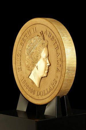 世界最大の金貨「Australian Kangaroo One Tonne Gold Coin」